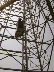 Steel structure-compressed